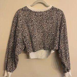 Cropped leopard sweatshirt